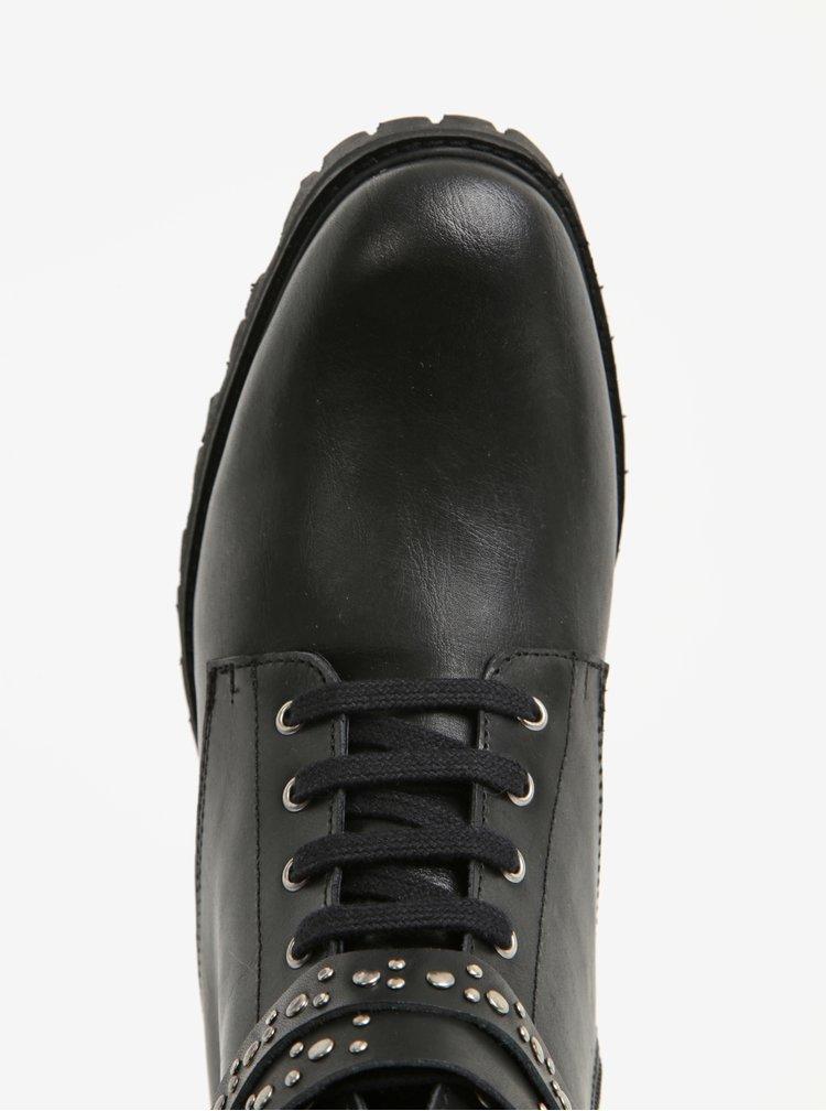 Černé dámské kožené kotníkové boty s plastickými detaily OJJU