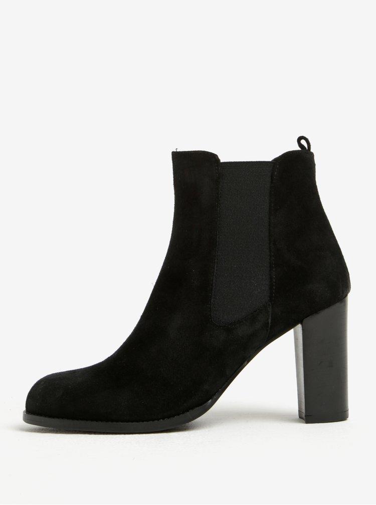 Černé semišové chelsea boty na vysokém podpatku OJJU