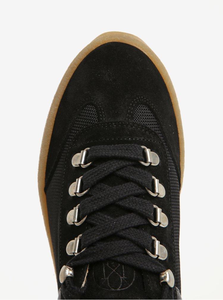 Černé tenisky na platformě se semišovými detaily OJJU