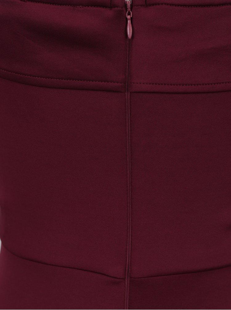 Vínové šaty s krajkovými detaily a rozparkem AX Paris