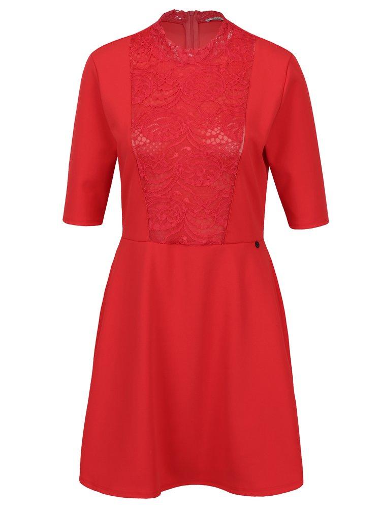 Červené šaty s krátkým rukávem a krajkovým detailem Rich & Royal