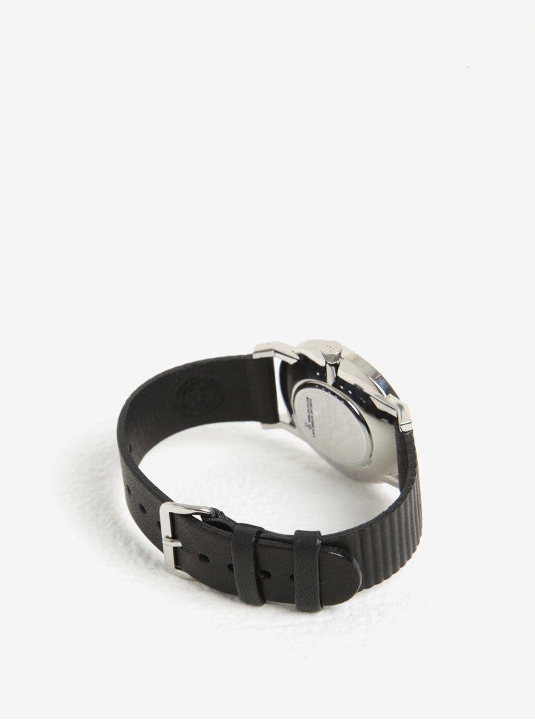 Pánské hodinky ve stříbrné barvě s černým koženým páskem TRIWA Charles Falken