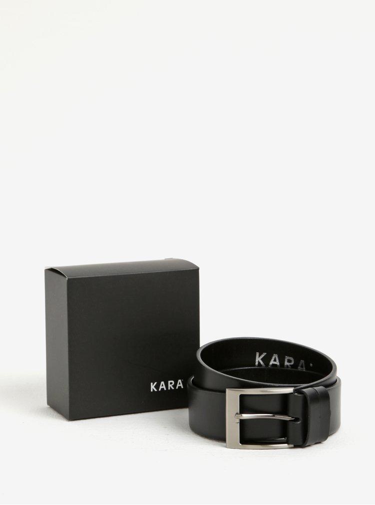 Černý pánský kožený pásek se stříbrnou přezkou KARA