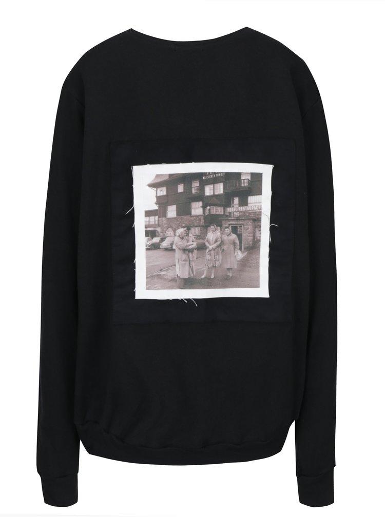 Černá unisex mikina s nášivkou  retro babiček na zádech La femme MiMi Teta Věra no.1