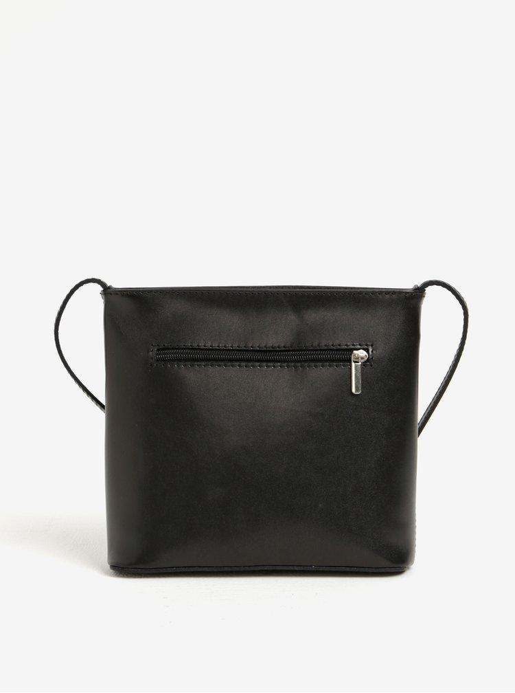 Černá kožená crossbody kabelka s detailem ve stříbrné barvě KARA
