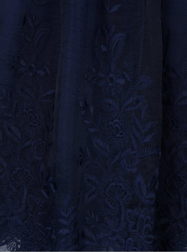 Tmavě modré krajkové šaty s průsvitným sedlem Chi Chi London Darin