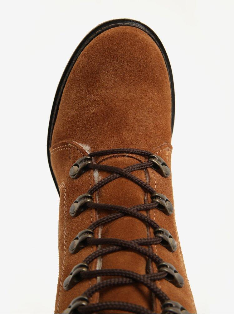Hnědé semišové kotníkové voděodpudivé boty s vlněnou podšívkou Tamaris