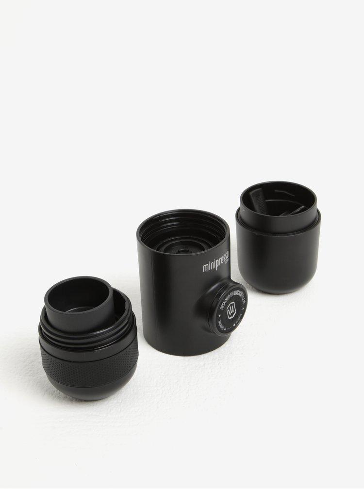 Černý cestovní espressovač na mletou kávu Wacaco Minipresso GR