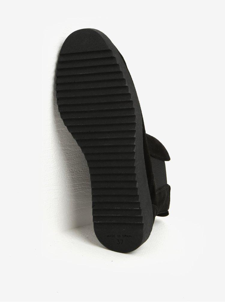 Černé semišové chelsea boty OJJU