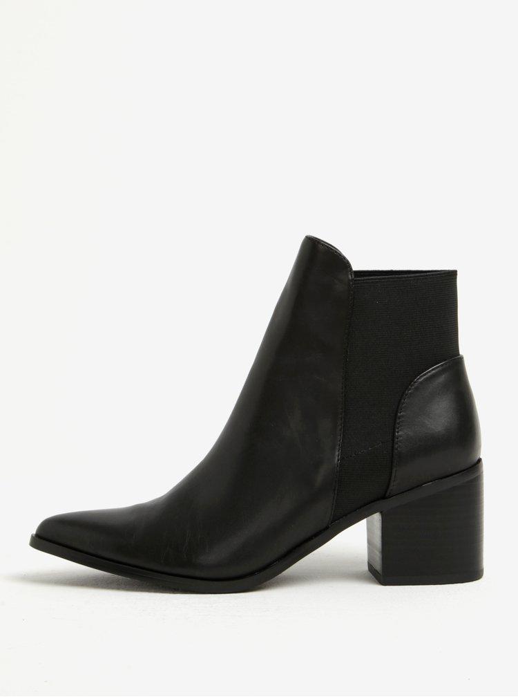 Černé dámské kožené kotníkové boty na podpatku ALDO Etiwiel
