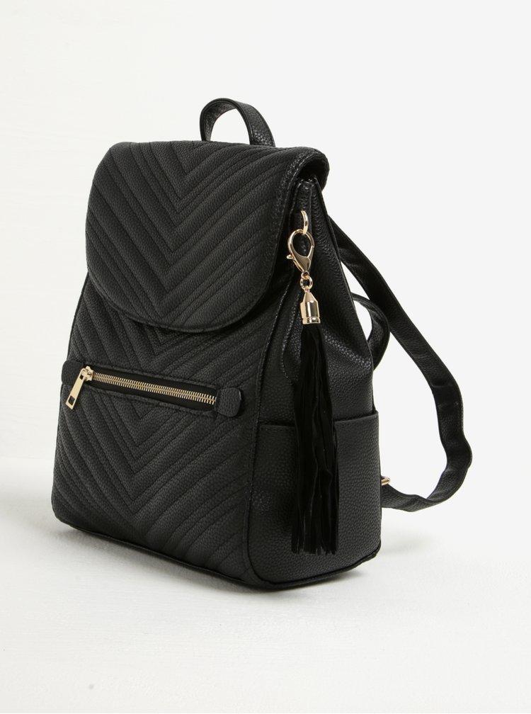 Černý prošívaný batoh s třásní Miss Selfridge