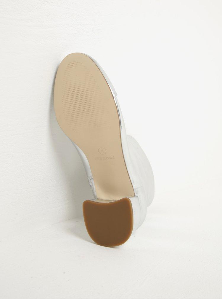 Metalické kotníkové boty na podpatku ve stříbrné barvě Miss Selfridge Delilah