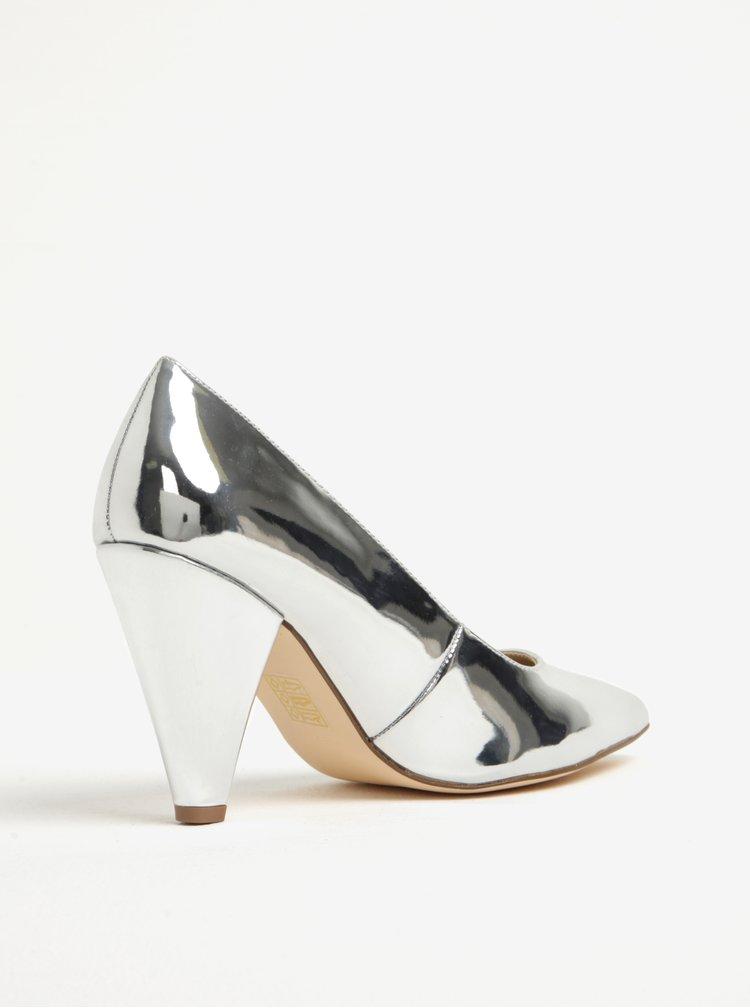 Lesklé metalické lodičky ve stříbrné barvě Miss Selfridge Leslie