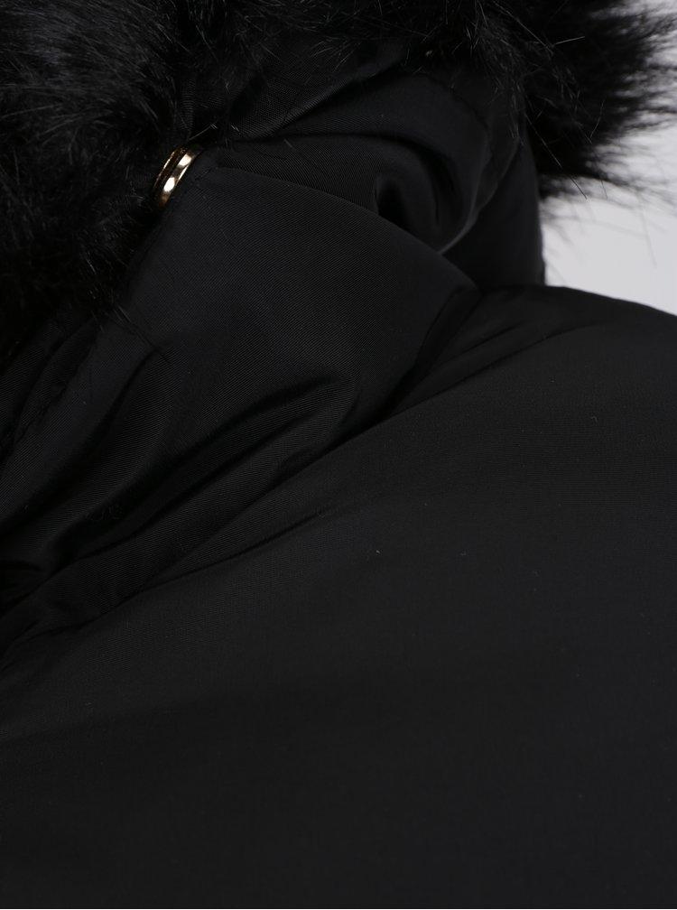 Černá prošívaná bunda s kožíškem Miss Selfridge Petites