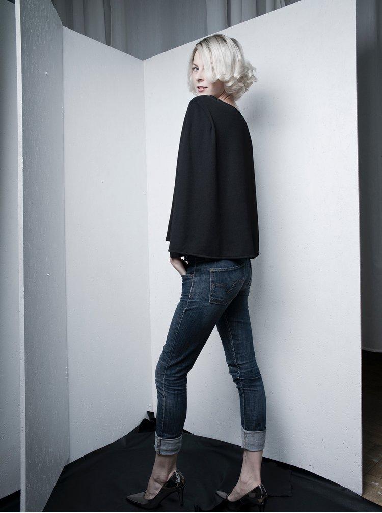 Černý top se zadním volným dílem La femme MiMi SuperGirl