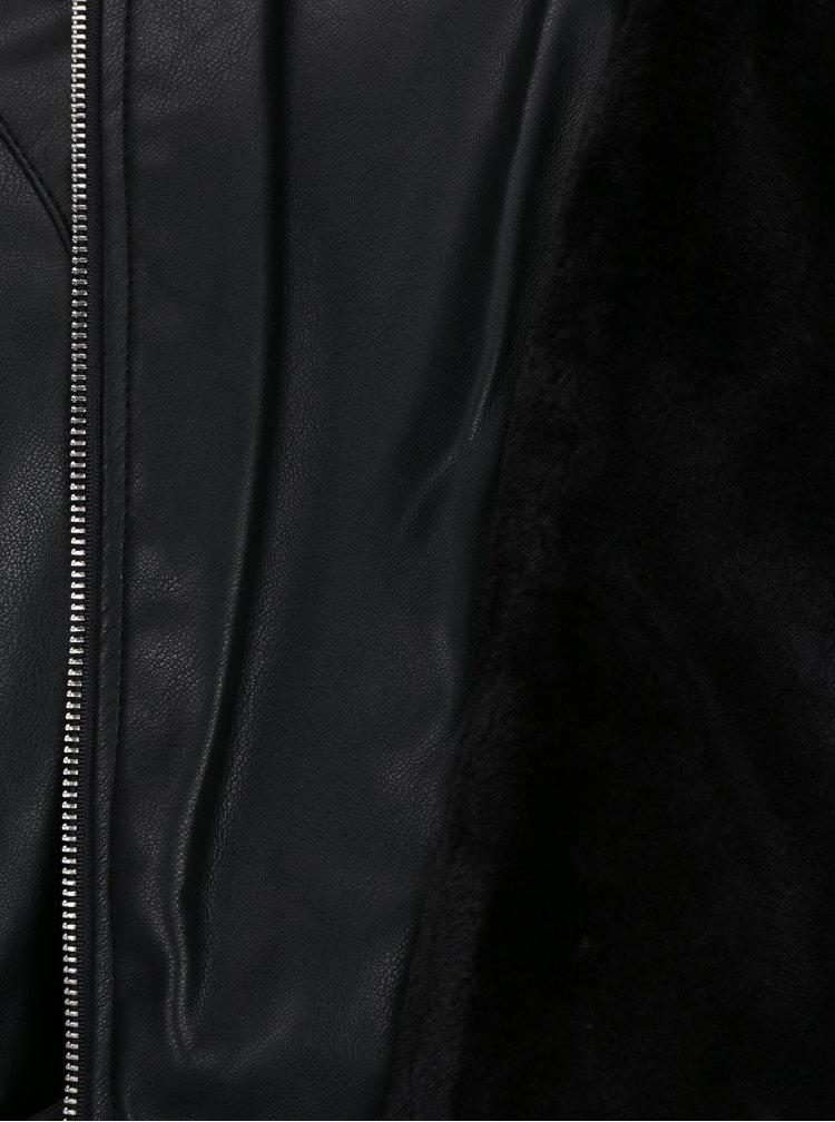 Černý koženkový křivák s umělým kožíškem a potiskem na zádech TALLY WEiJL