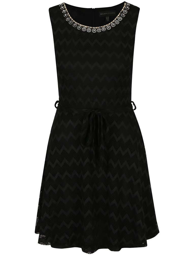 Černé krajkové šaty s ozdobnými detaily Mela London