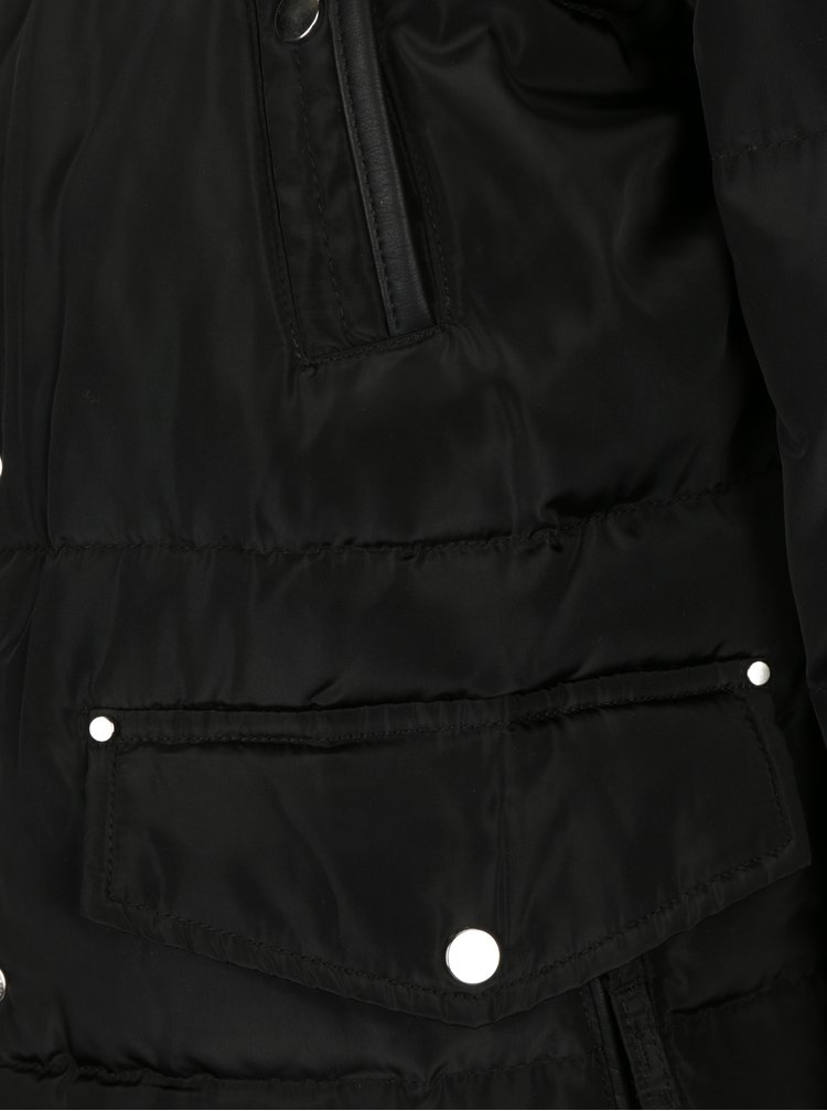 Černá zimní prošívaná bunda s kapucí VERO MODA Fea