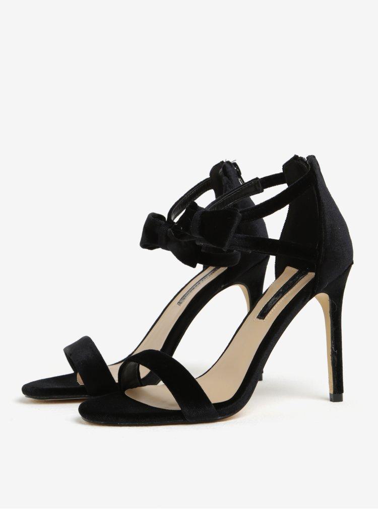 Černé sametové sandálky na jehlovém podpatku Dorothy Perkins