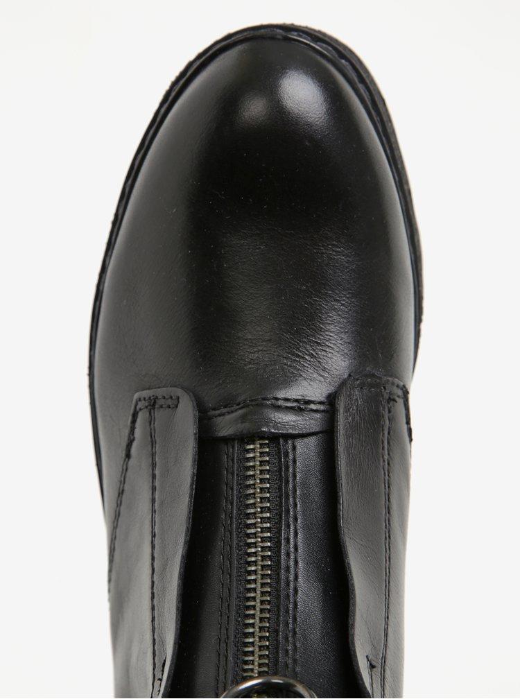 Černé kožené kotníkové boty na platformě se zipem Tamaris
