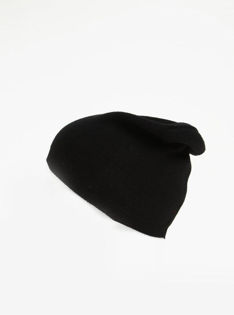 Černá dámská čepice s.Oliver