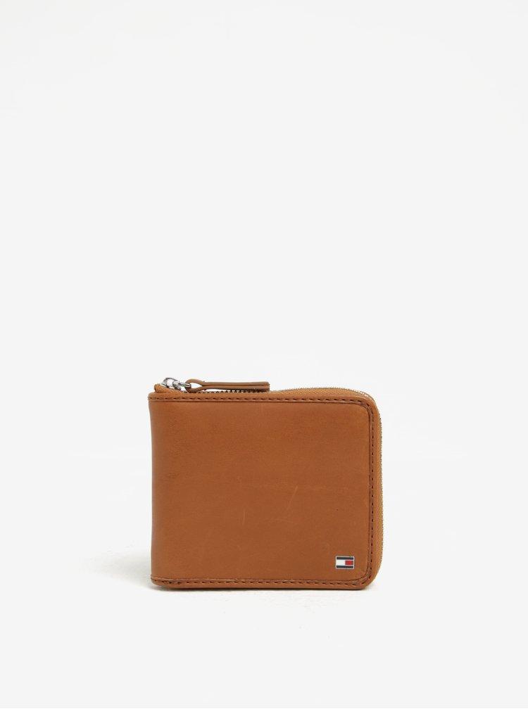 Hnědá pánská kožená peněženka se zipem Tommy Hilfiger