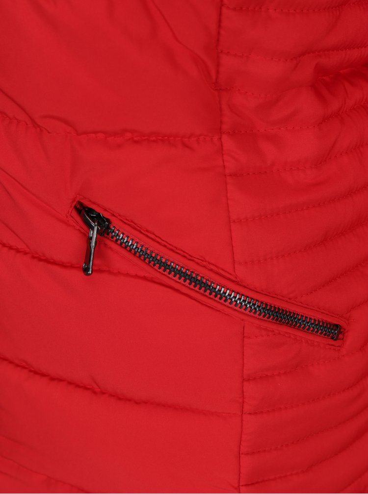 Červená prošívaná zimní bunda s umělou kožešinou TALLY WEiJL