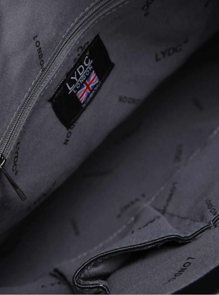 Černá kabelka s ozdobnou kovovou aplikací LYDC