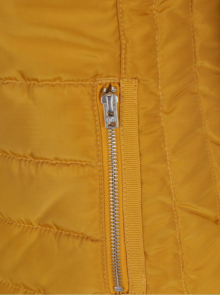 Hořčicová dámská prošívaná bunda s vysokým límcem s.Oliver