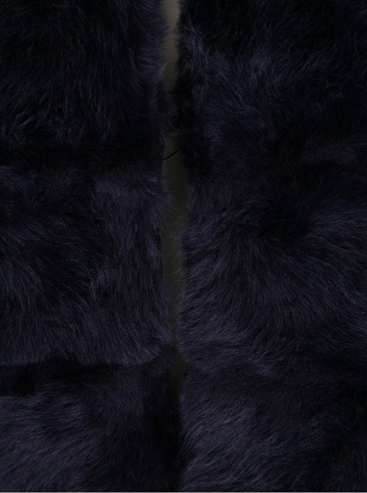 Tmavě modrá prošívaná vesta z umělé kožešiny ZOOT