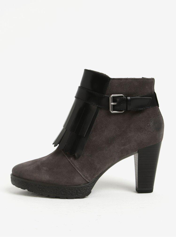 Šedé semišové kotníkové boty s třásněmi Tamaris