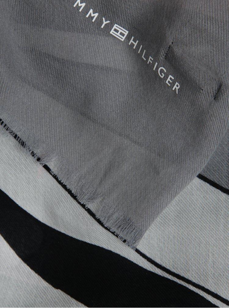 Šedý dámský šátek se vzorem Tommy Hilfiger Flower