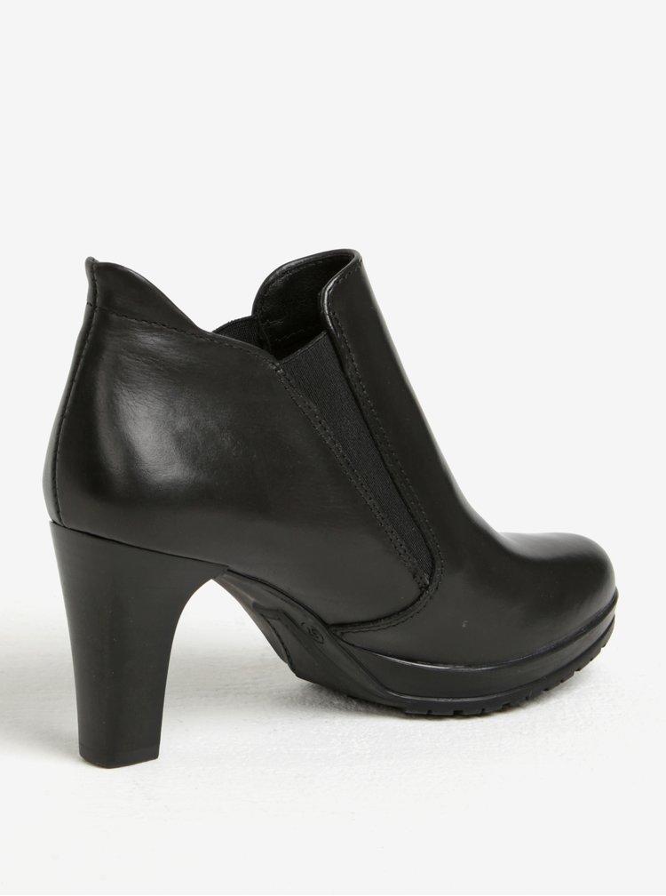 Černé kožené kotníkové boty s gumovými vsadkami na podpatku Tamaris