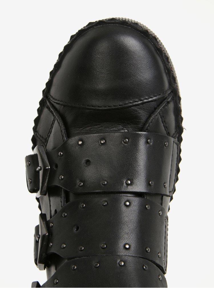 Černé kožené kotníkové tenisky s přezkami Tamaris