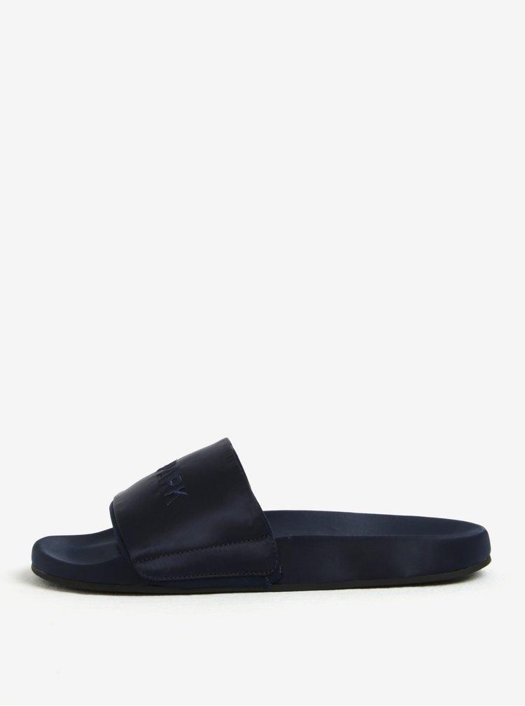 Tmavě modré pantofle s výšivkou loga Ivy Park