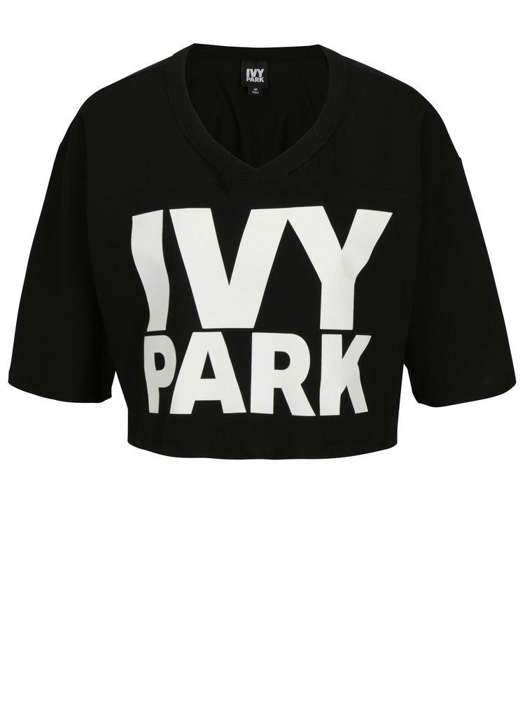 Černý crop top s potiskem Ivy Park