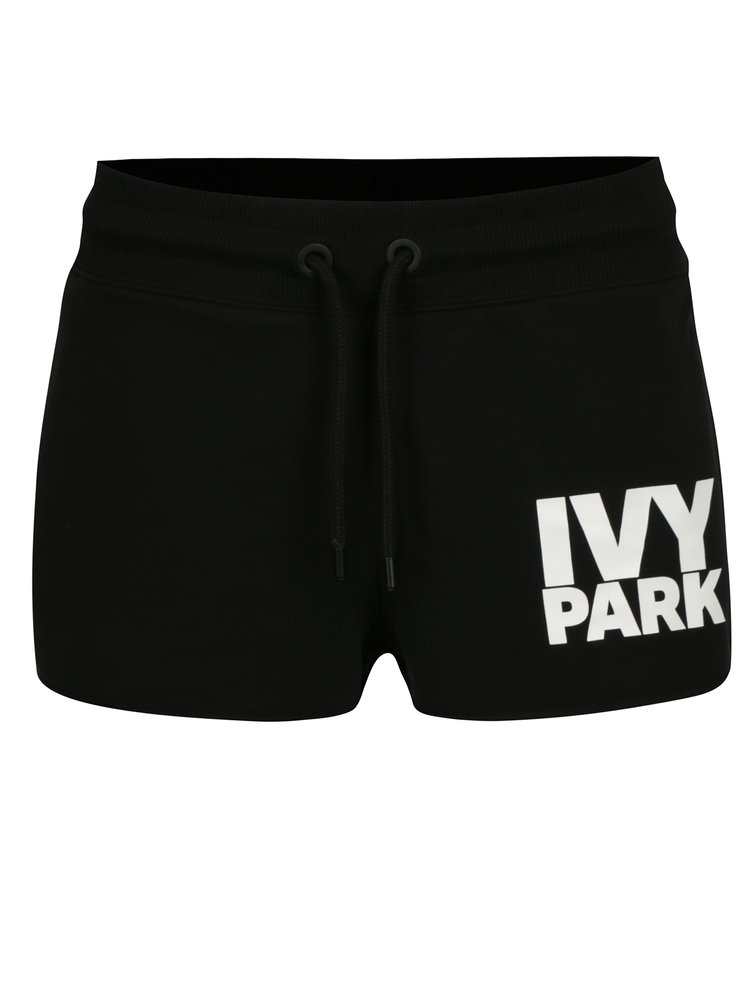 Černé kraťasy s potiskem Ivy Park