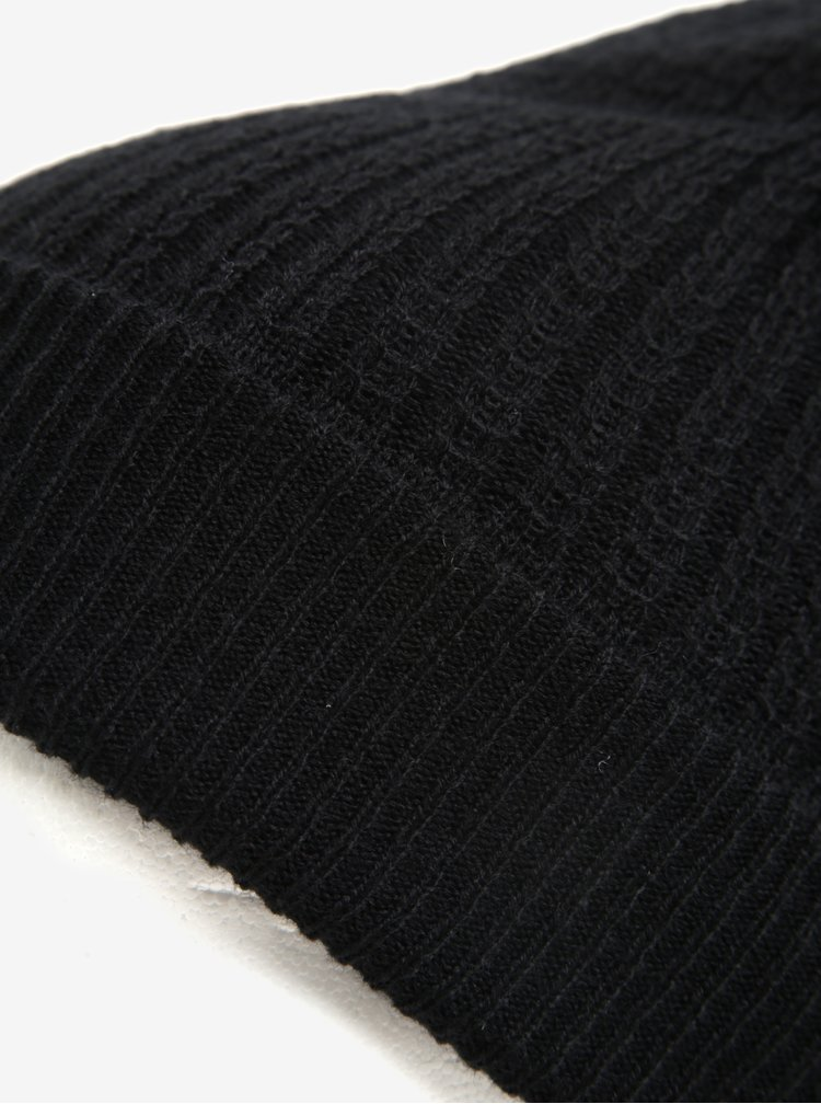 Černá čepice Burton Menswear London