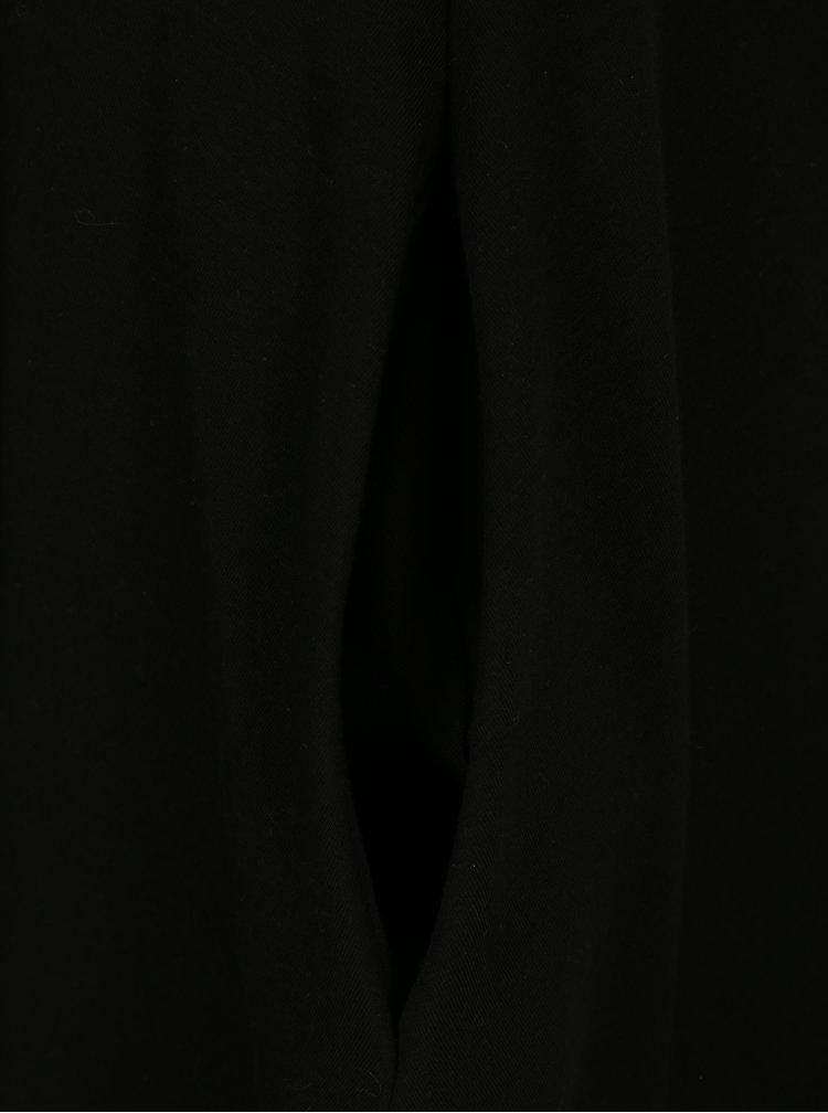 Černé áčkové šaty s 3/4 rukávem miestni Bla
