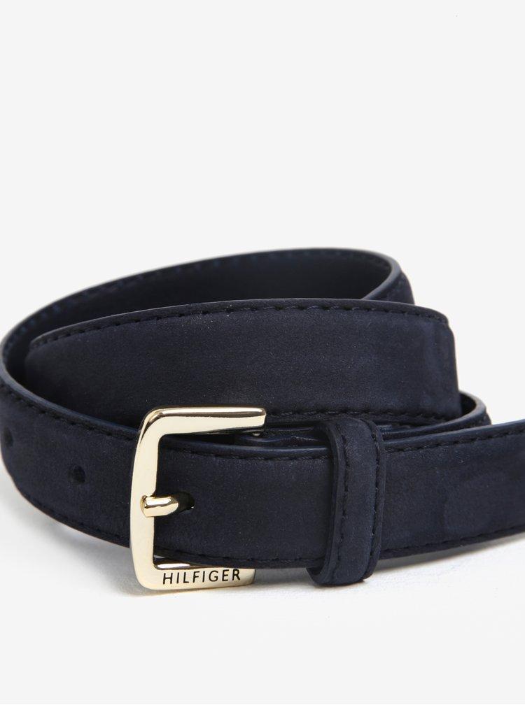 Tmavě modrý dámský kožený pásek s přezkou ve zlaté barvě Tommy Hilfiger