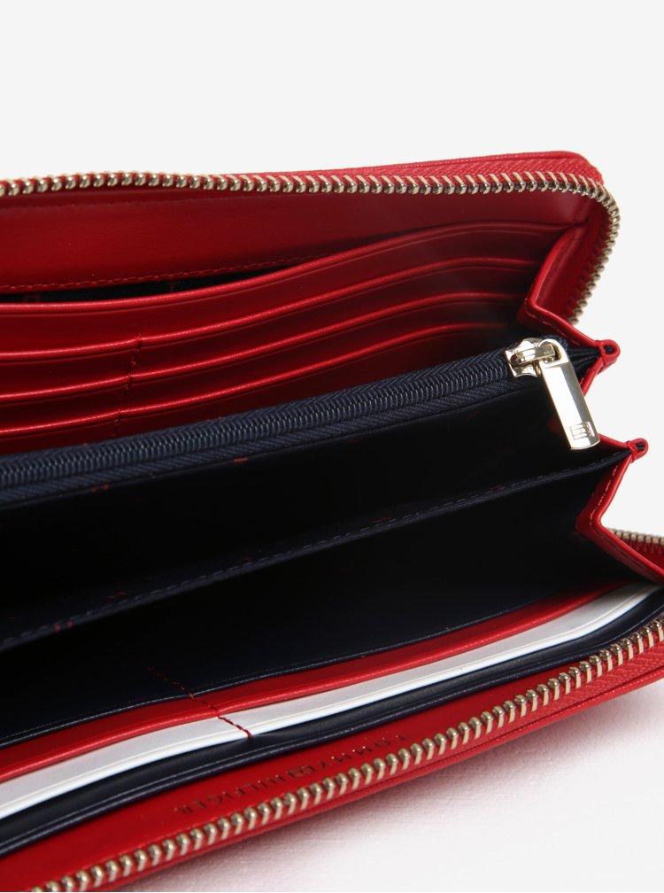 Červená dámská peněženka na zip Tommy Hilfiger
