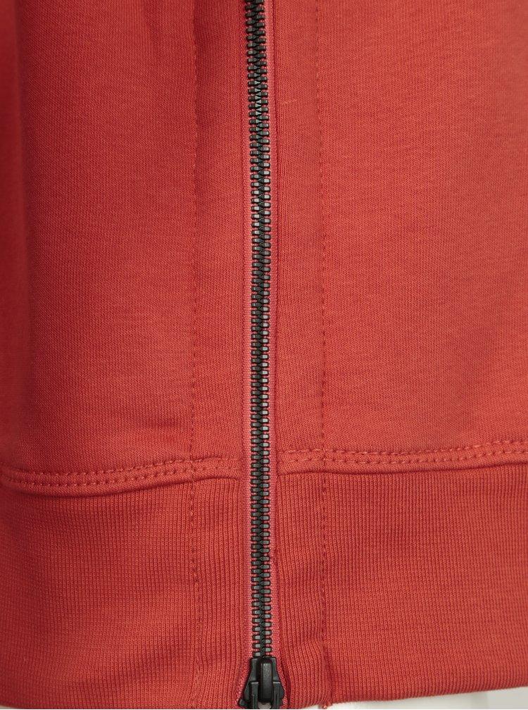 Červená pánská mikina s kapucí a vysokým límcem s.Oliver