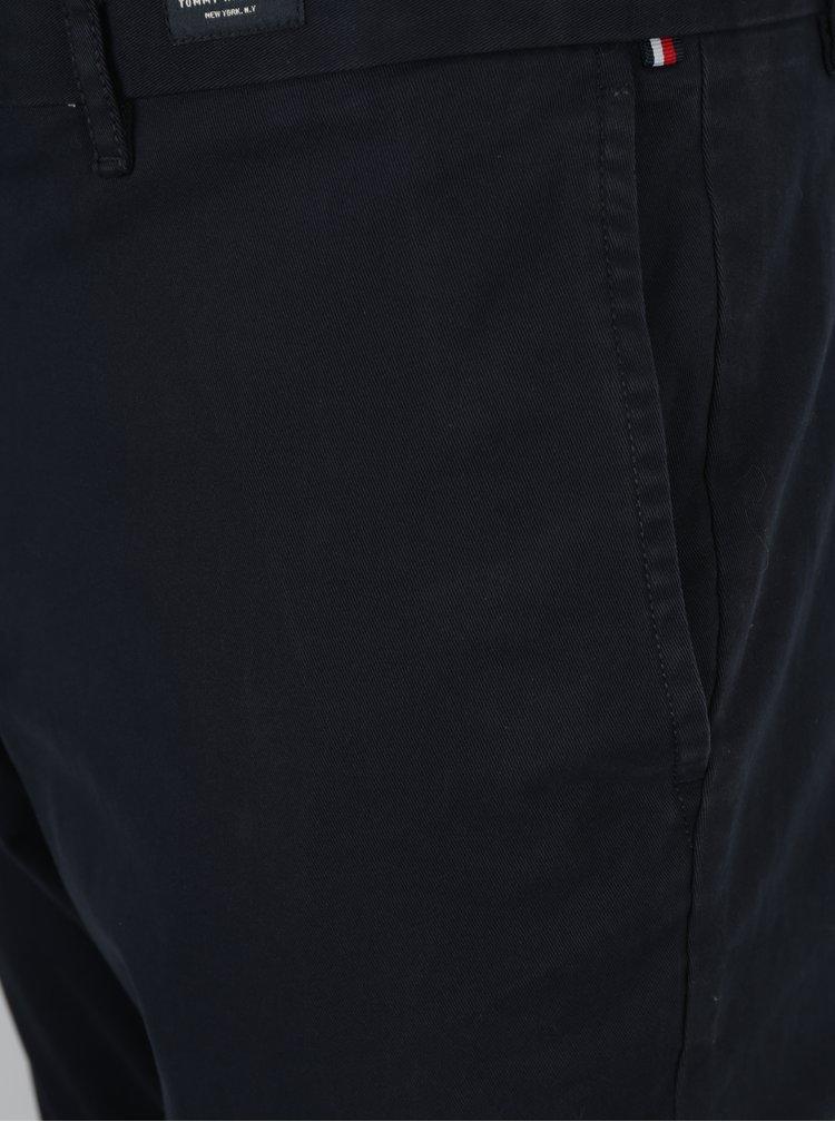 Tmavě modré pánské chino kalhoty Tommy Hilfiger