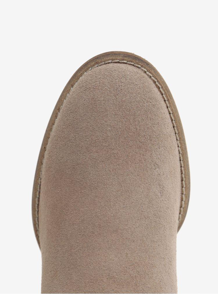 Béžové semišové chelsea boty s květovaným potiskem Tamaris