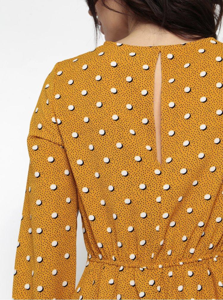 Hořčicové vzorované šaty s dlouhým rukávem Miss Selfridge