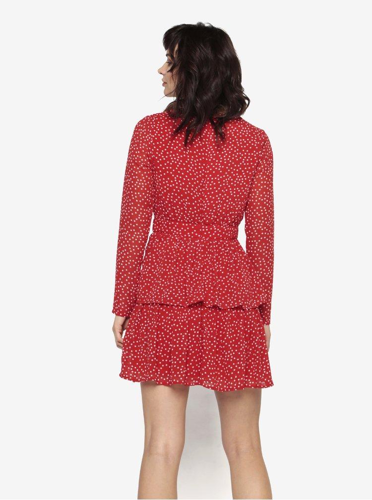 Červené puntíkované šaty s volány MISSGUIDED