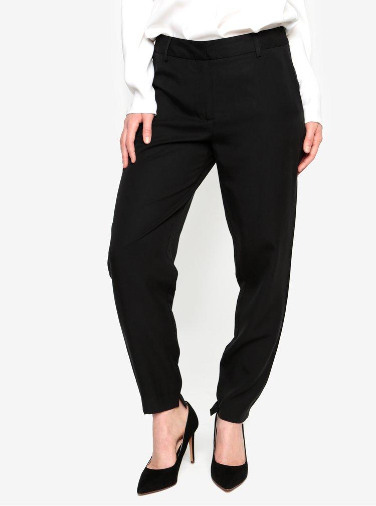 Černé zkrácené kalhoty Selected Femme Amila Zoe