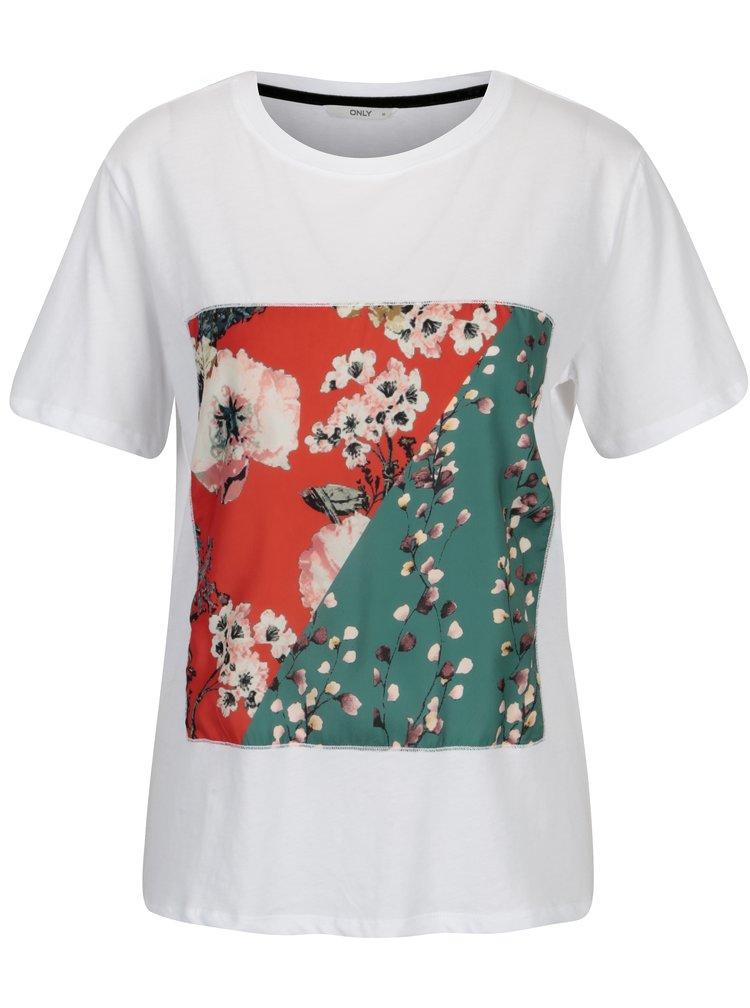 Bílé tričko s květovanou nášivkou ONLY Rolanda