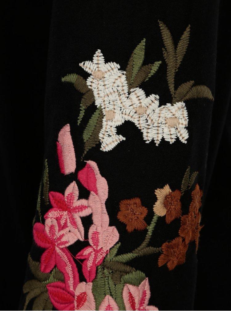 Černá mikina s květovanou výšivkou na rukávech VILA Halia