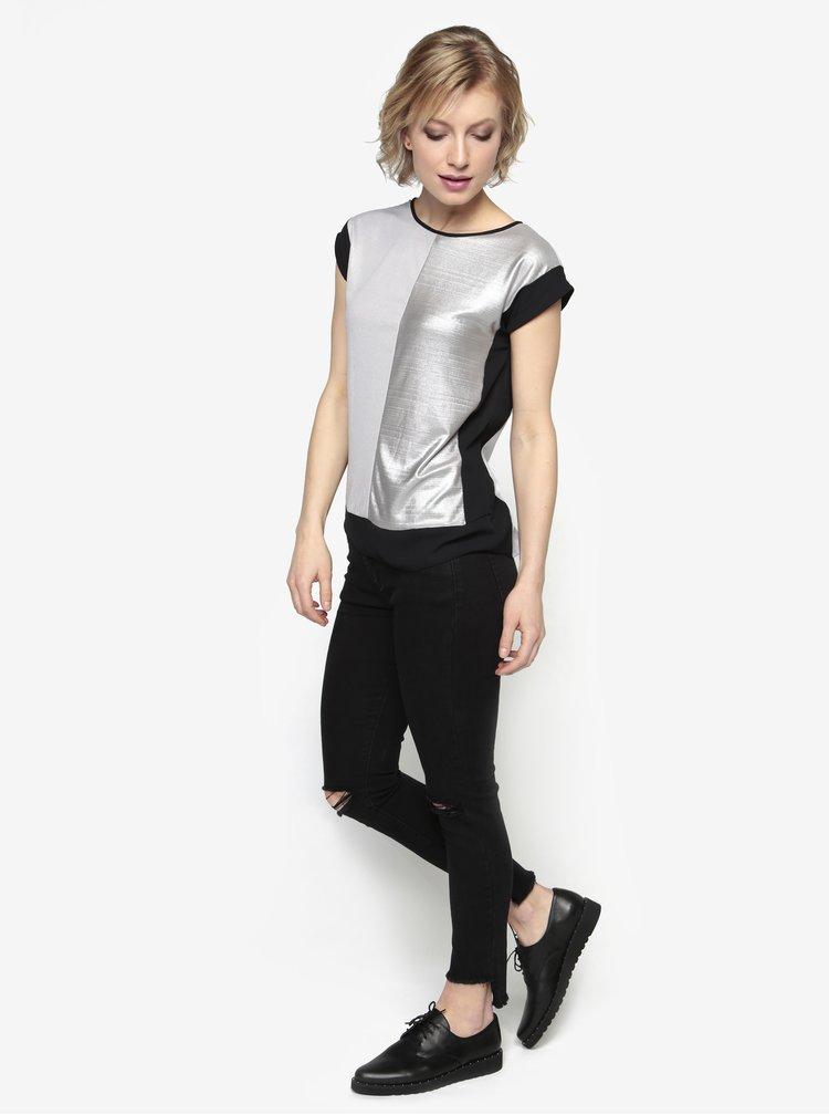 Lesklá halenka v černo-stříbrné barvě Oasis Colourblock